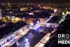 Rzeszowski Rynek nocą z drona