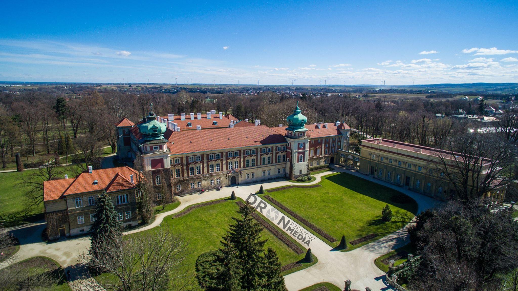 Zamek w Łańcucie z drona